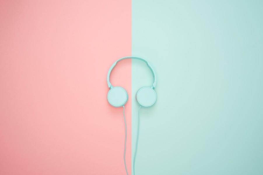 headphones color blocking .jpg